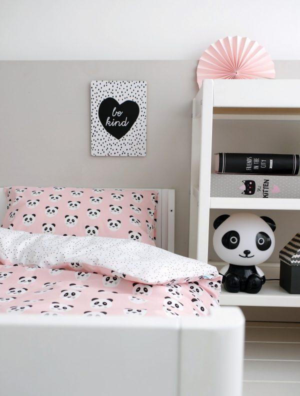 w pandy na różowym